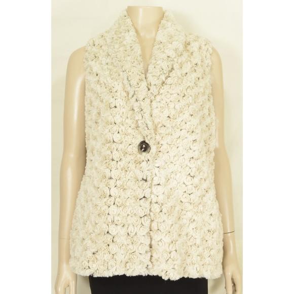 Vine Street Apparel Jackets & Blazers - Vine Street vest SZ L NWT off white faux fur soft